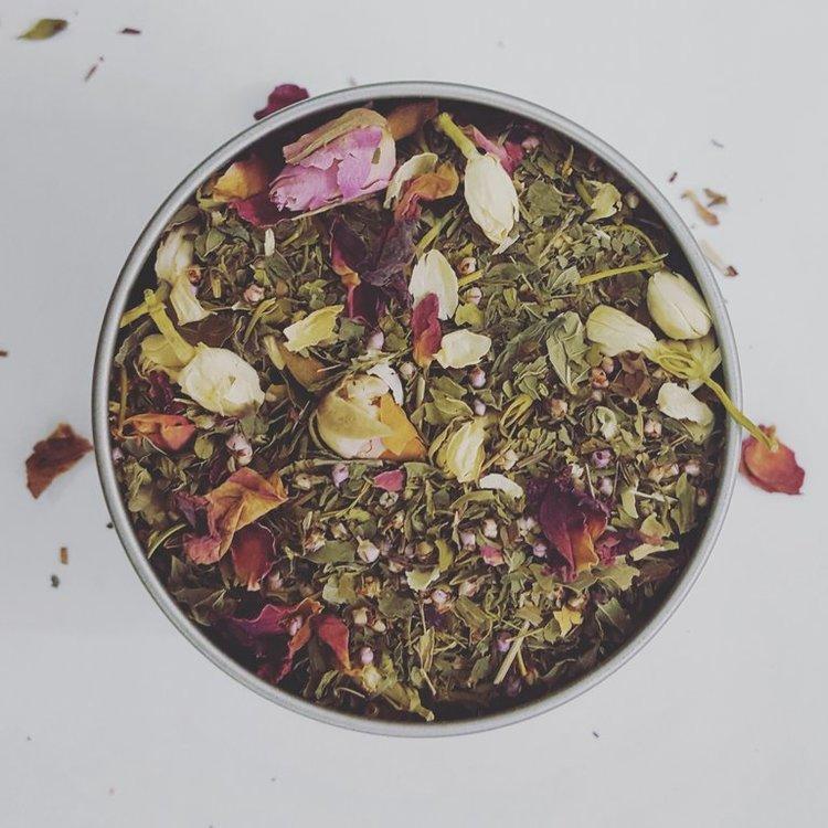 loose herbal tea with rose petals Asali