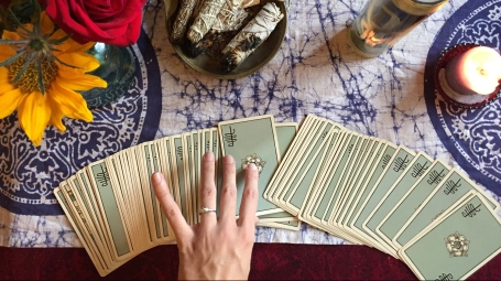 RIDER WAITE SMITH TAROT WITCH RITUAL ALTAR
